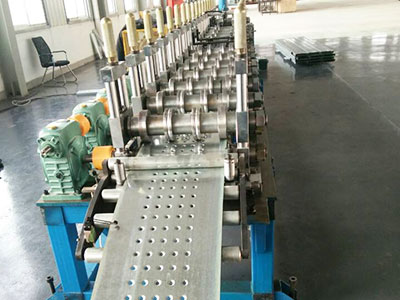 Adjustable C purlin Machine